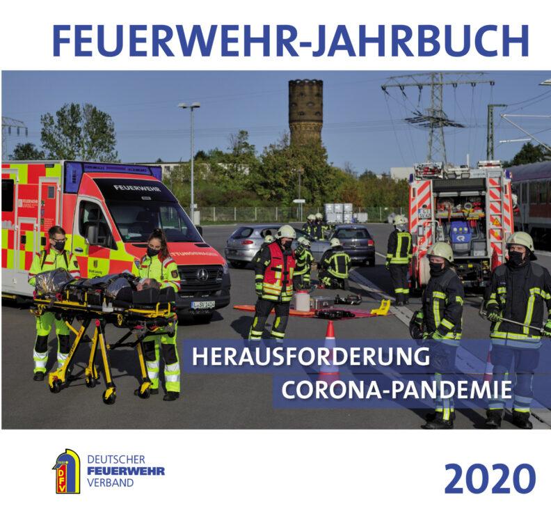 Titelseite Feuerwehr-Jahrbuch 2020. Titelthema: Herausforderung Corona-Pandemie. Frei zur Berichterstattung über die Publikation. Fotonachweis: DFV